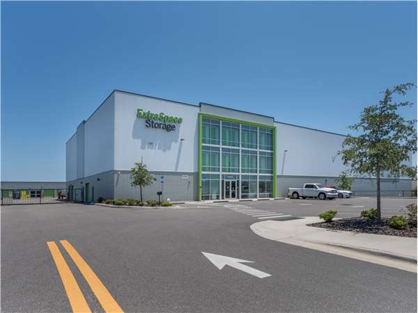 Image of Extra Space Storage Facility on 9125 Ulmerton Rd in Largo, FL