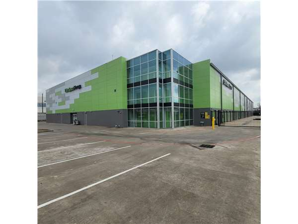 Image of Extra Space Storage Facility on 1050 Brittmoore Rd in Houston, TX