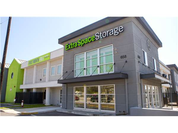 Image Of Extra Space Storage Facility On 658 Venice Blvd In Venice, CA