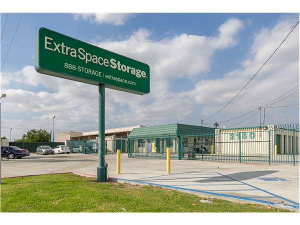 Image of Extra Space Storage Facility on 2180 W Highland Ave in San Bernardino, CA