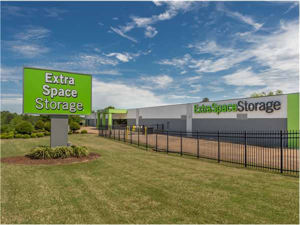 Image of Extra Space Storage Facility on 1242 N Dean Rd in Auburn, AL
