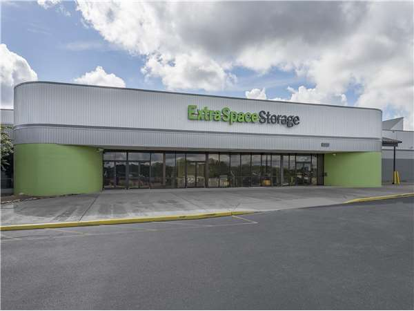 Image of Extra Space Storage Facility on 2470 Decker Blvd in Columbia, SC