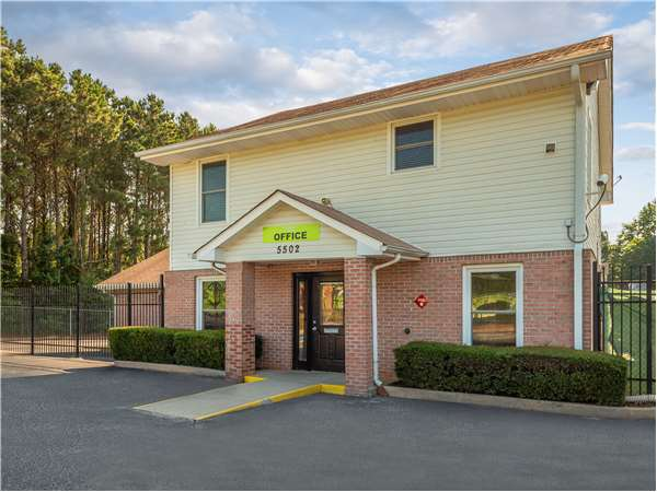 Incroyable Entry To Extra Space Storage Facility Near Memorial Dr In Stone Mountain,  ...
