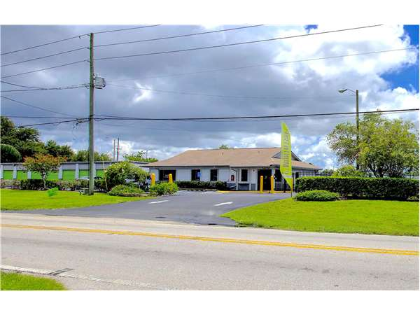 Image of Extra Space Storage Facility on 4750 62nd Ave N in Pinellas Park, FL