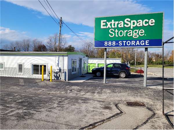 Image of Extra Space Storage Facility on 10 Roller Cir in Hanover, PA