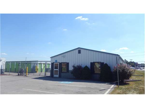 Image of Extra Space Storage Facility on 900 Vogelsong Rd in York, PA