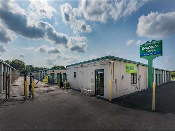 Image of Extra Space Storage Facility on 105 S Falkenburg Rd in Tampa, FL
