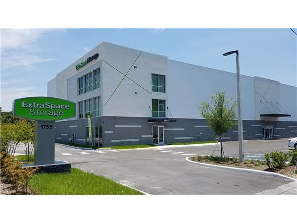 Image of Extra Space Storage Facility on 1759 W Brandon Blvd in Brandon, FL