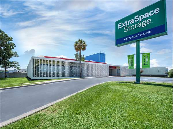 Image of Extra Space Storage Facility on 5330 Jefferson Hwy in Elmwood, LA