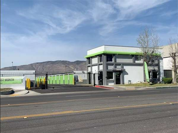 Image of Extra Space Storage Facility on 851 W Esplanade Ave in San Jacinto, CA