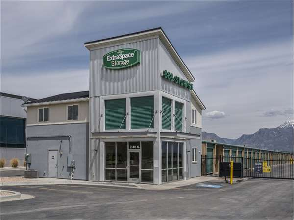 Image of Extra Space Storage Facility on 2148 N Stagecoach Dr in Saratoga Springs, UT