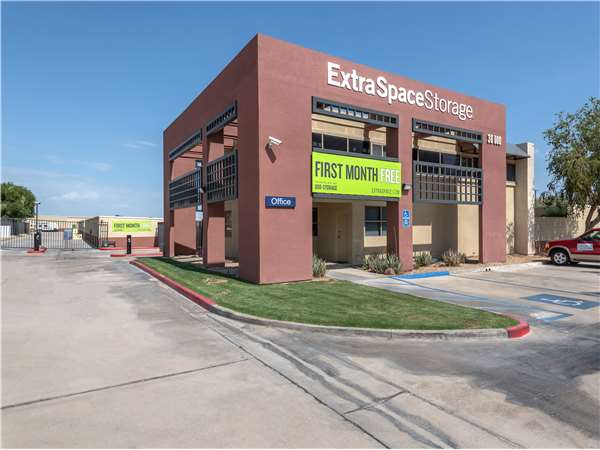 Image of Extra Space Storage Facility on 36000 Cathedral Canyon Dr in Cathedral City, CA