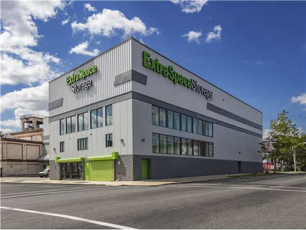 Image of Extra Space Storage Facility on 320 Elizabeth Ave in Newark, NJ
