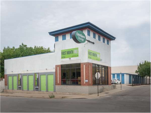 Image of Extra Space Storage Facility on 4995 N Elston Ave in Chicago, IL