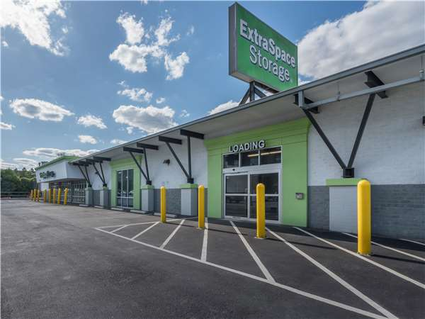 Image of Extra Space Storage Facility on 660 Edgewood Ave SE in Atlanta, GA