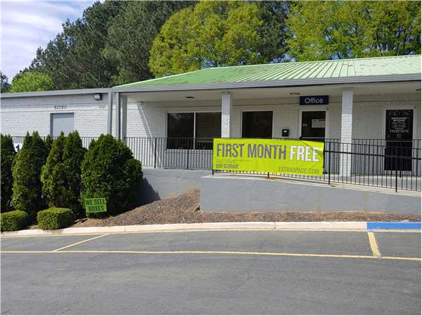 Image of Extra Space Storage Facility on 12390 Arnold Mill Rd in Alpharetta, GA