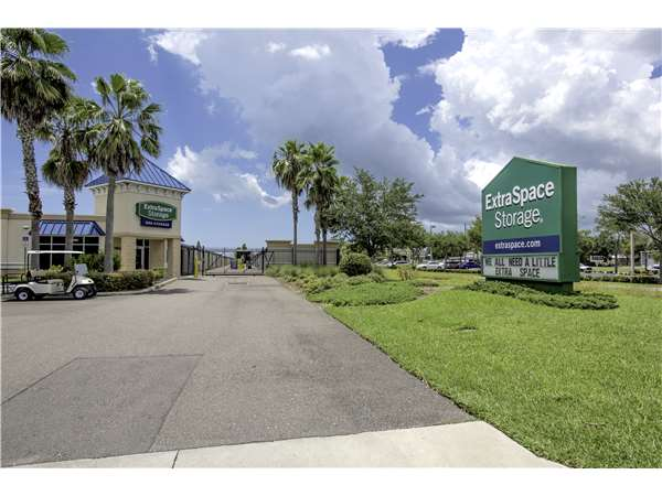 Image of Extra Space Storage Facility on 2150 25th St N in St Petersburg, FL