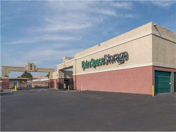 Image of Extra Space Storage Facility on 2975 S Nellis Blvd in Las Vegas, NV