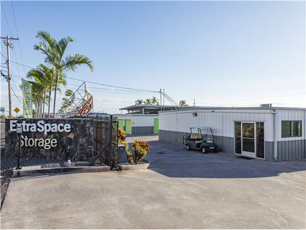 Image of Extra Space Storage Facility on 73-4864 Kanalani St in Kailua-Kona, HI
