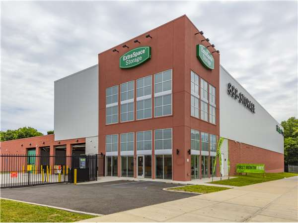 Image of Extra Space Storage Facility on 3450 Baychester Ave in Bronx, NY
