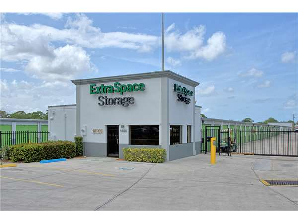 Merveilleux Entry To Extra Space Storage Facility Near NE Savannah Road In Jensen  Beach, FL ...