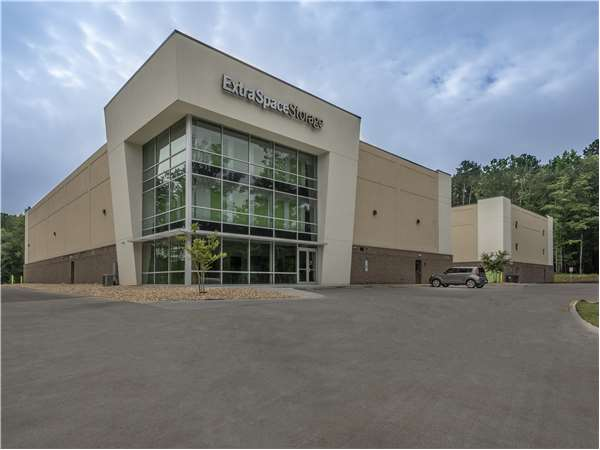 Elegant Image Of Extra Space Storage Facility On 12330 US 15 501 N In Chapel Hill,