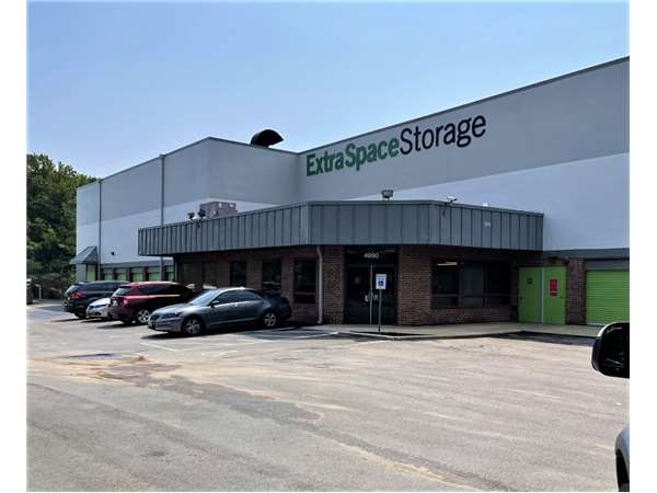 Image of Extra Space Storage Facility on 4950 Nicholson Ct in Kensington, MD