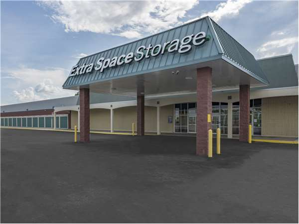 Image of Extra Space Storage Facility on 6169 St Andrews Rd in Columbia, SC