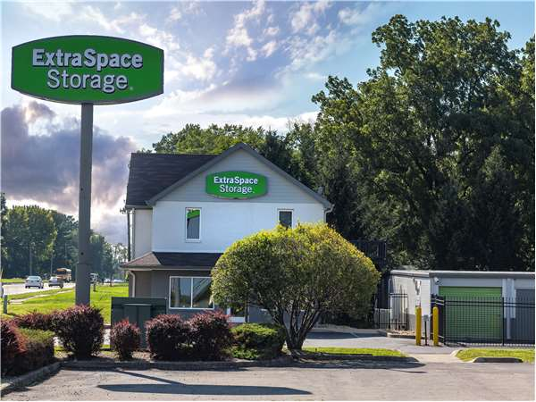 Image of Extra Space Storage Facility on 5390 Rockville Rd in Indianapolis, IN