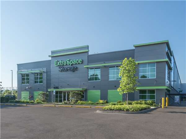 Image of Extra Space Storage Facility on 1750 W Central Rd in Mount Prospect, IL