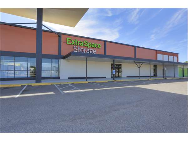Entry To Extra Space Storage Facility Near 2320 W. Hillsborough Ave In  Tampa, ...