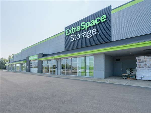Image of Extra Space Storage Facility on 600 W Liberty St in Wauconda, IL