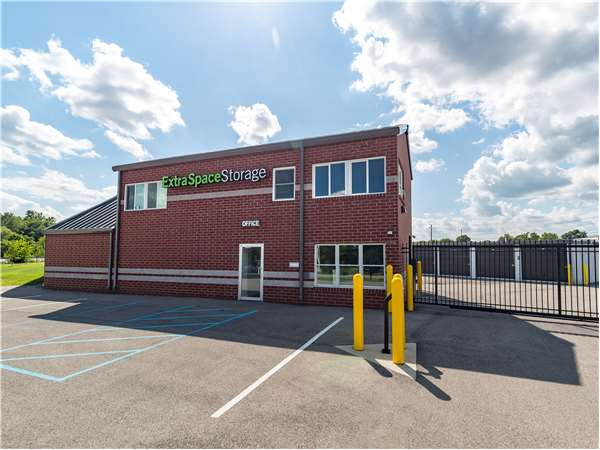 Image of Extra Space Storage Facility on 4410 Allisonville Rd in Indianapolis, IN