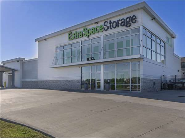 Image of Extra Space Storage Facility on 19025 Edna St in Omaha, NE