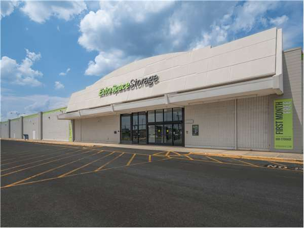 Image of Extra Space Storage Facility on 2120 W Roosevelt Blvd in Monroe, NC