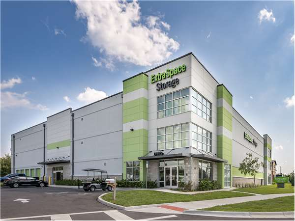 Image of Extra Space Storage Facility on 540 Cypress Pkwy in Poinciana, FL
