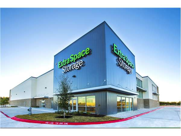 Image of Extra Space Storage Facility on 140 E Sonny Dr in Leander, TX