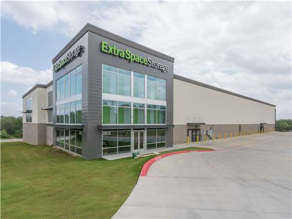 Image Of Extra Space Storage Facility On 2513 N FM 620 Rd In Austin, TX