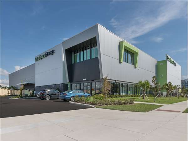 Image of Extra Space Storage Facility on 289 34th St N in St Petersburg, FL