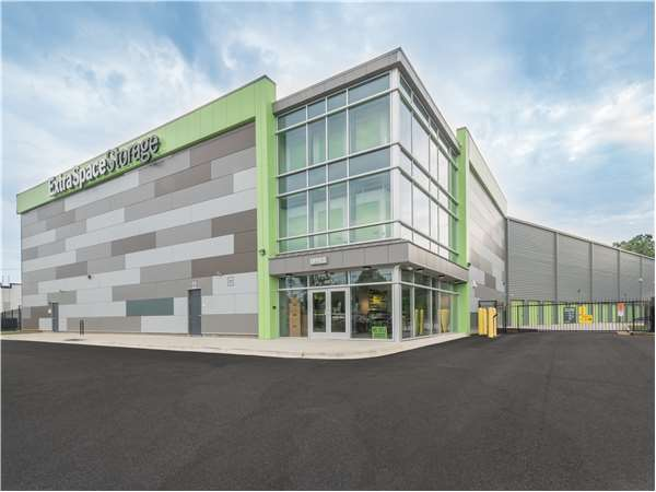 Image of Extra Space Storage Facility on 4601 South Blvd in Charlotte, NC
