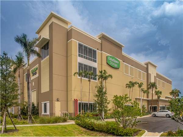 Image of Extra Space Storage Facility on 1001 NE 1st Ave in Pompano Beach, FL