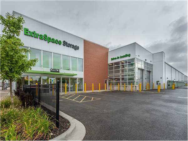 Image of Extra Space Storage Facility on 5746 W Roosevelt Rd in Chicago, IL