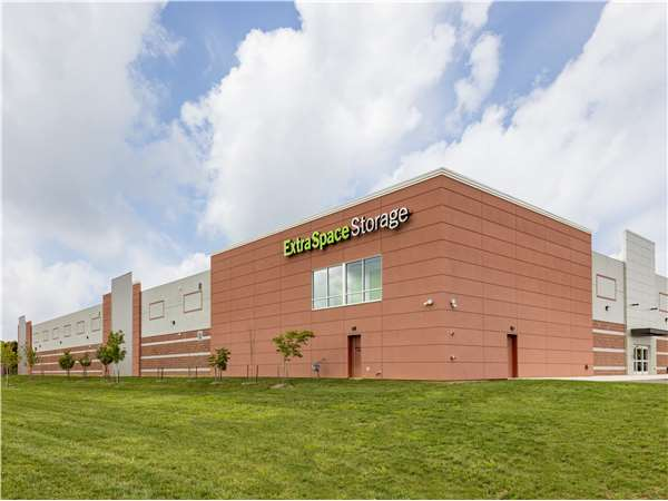 Image of Extra Space Storage Facility on 43923 Centergate Dr in Ashburn, VA