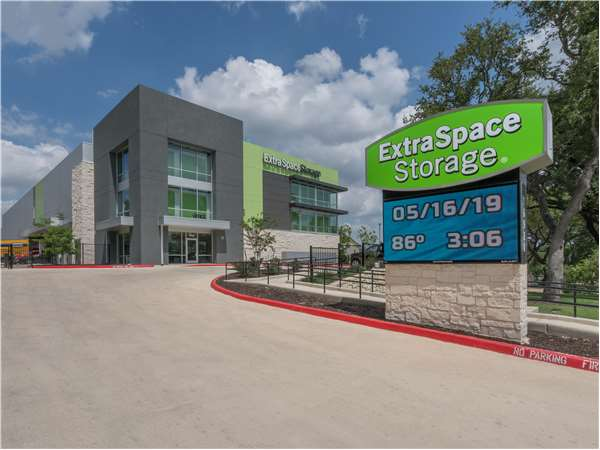 Image of Extra Space Storage Facility on 10920 Bandera Rd in San Antonio, TX