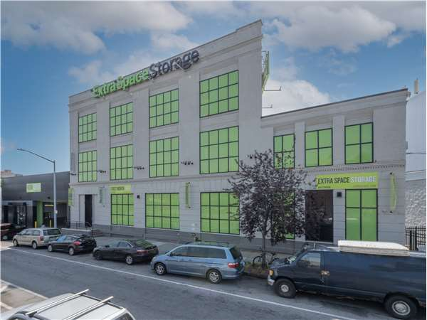 Image of Extra Space Storage Facility on 3362 Park Ave in Bronx, NY