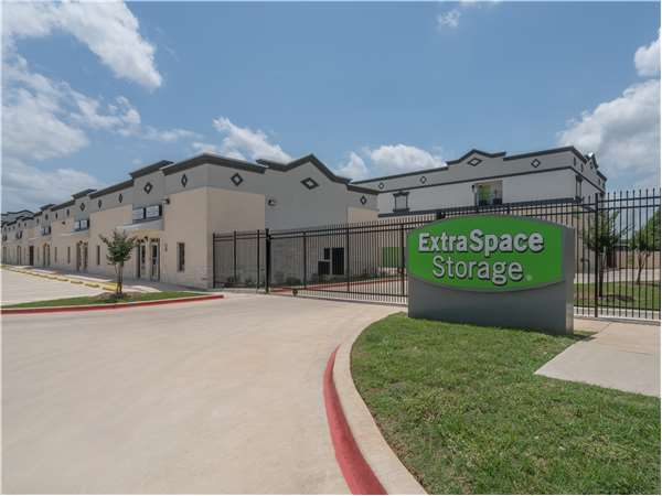Image of Extra Space Storage Facility on 3831 FM 2181 in Corinth, TX