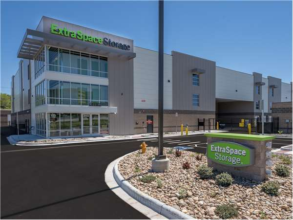 Image of Extra Space Storage Facility on 4103 Industrial Ln in Broomfield, CO