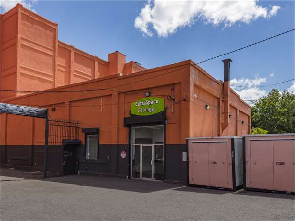Image of Extra Space Storage Facility on 272 Sussex Ave in Newark, NJ