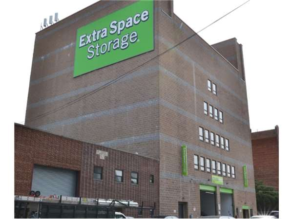 Image of Extra Space Storage Facility on 3719 Crescent St in Long Island City, NY