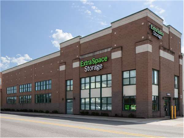 Image of Extra Space Storage Facility on 3634 Falls Rd in Baltimore, MD